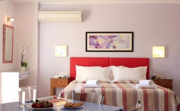 Amaryllis_hotel_tolo_quadruple_01