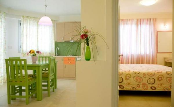 Amaryllis_hotel_tolo_triple_02
