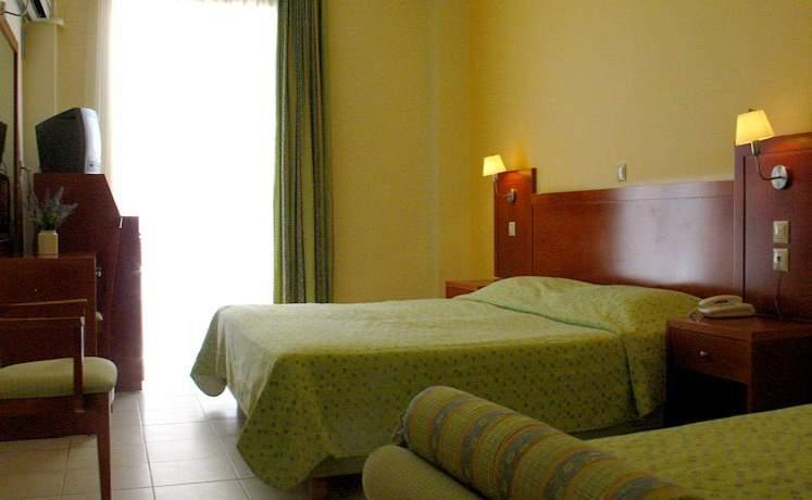 Artemis_hotel_tolo_03